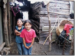 Young girls in San Miguel Dueñas